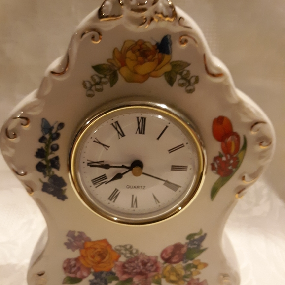 None Other - Vintage style cerimac clock